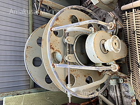 油圧巻き上げ機